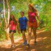 crianças-caminhando-na-trilha-do-poção