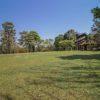 vista-do-gramado-atrás-do-restaurante-poção-brotas