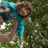 pai-e-filha-brincando