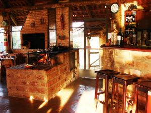 bar-e-fogao-a-lenha-do-restaurante-hotel-fazenda-brotas-jacauna-Brotas
