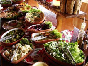 salada-restaurante-hotel-fazenda-brotas-jacauna-Brotas